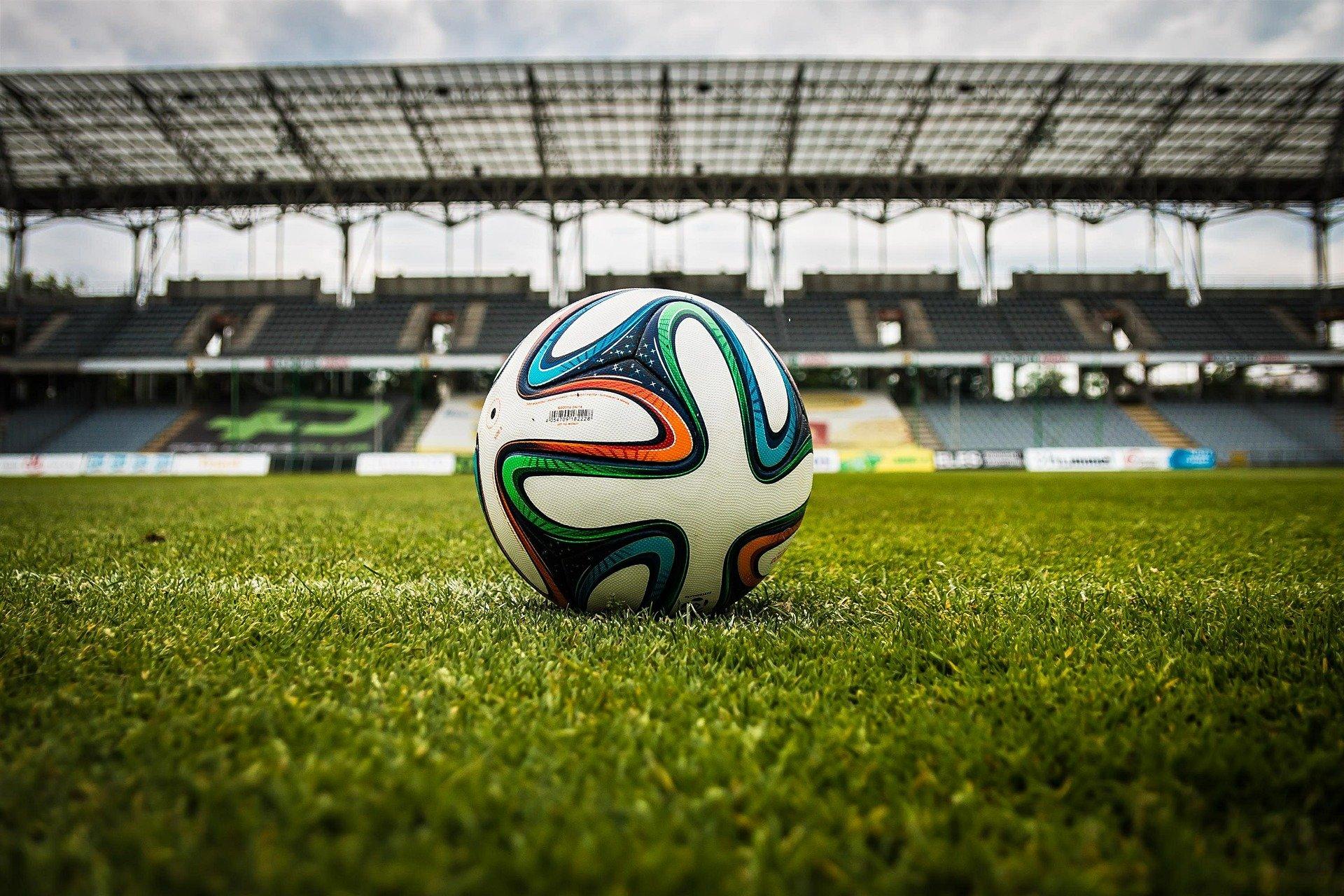 soccer-488700_1920
